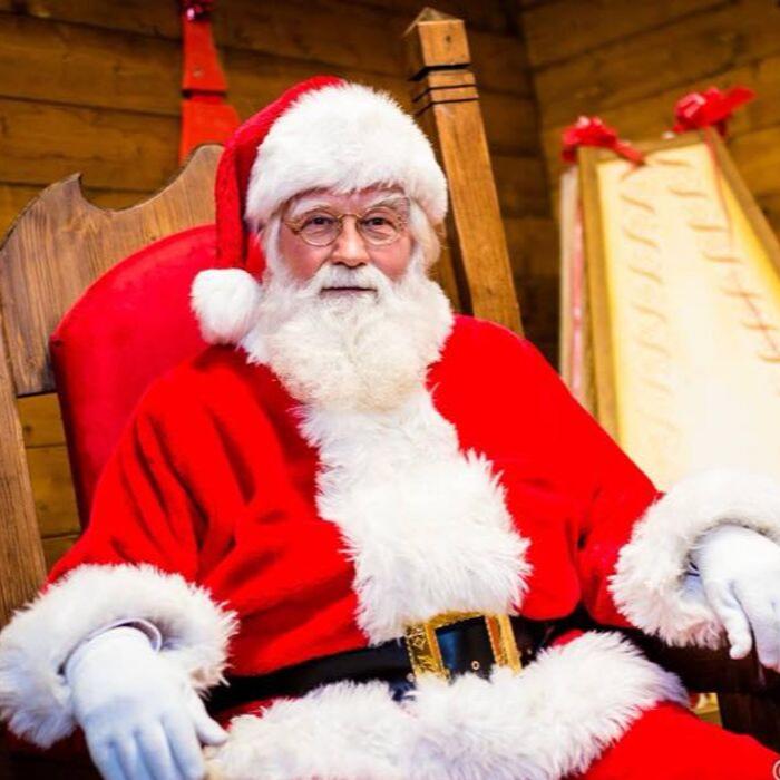 La Foto Di Babbo Natale.La Casa Di Babbo Natale Selvino Sport